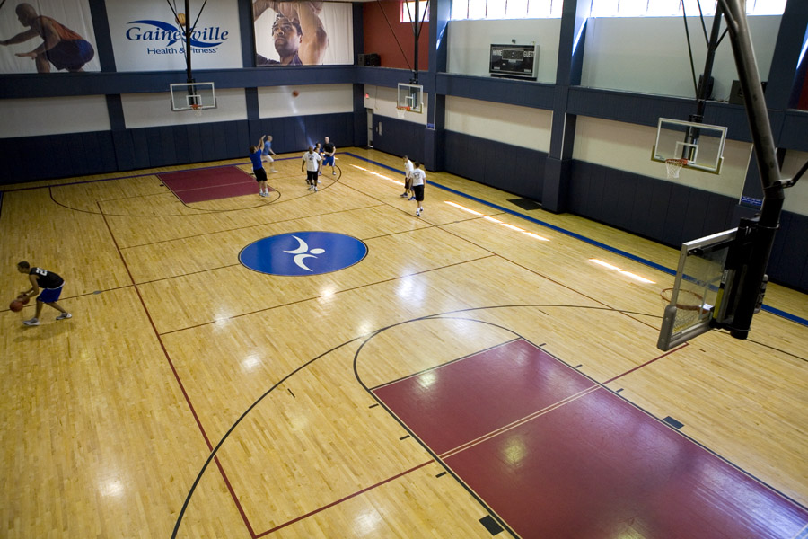 Indoor Basketball and Volleyball Court - Gainesville Health & Fitness